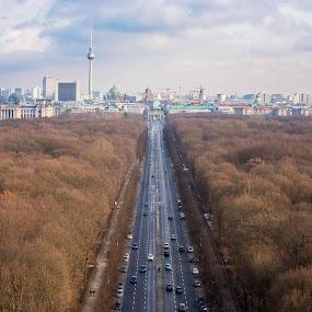 by Manuel Herrmann - City,  Street & Park  City Parks ( sky )
