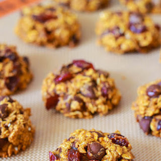 Healthy Pumpkin Chocolate Chip Oatmeal Cookies..