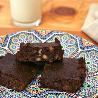 """""""Skinny"""" Brownies."""