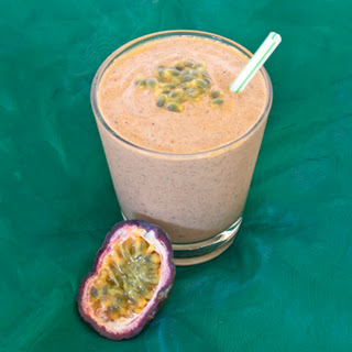 Raspberry Passionfruit Green Smoothie
