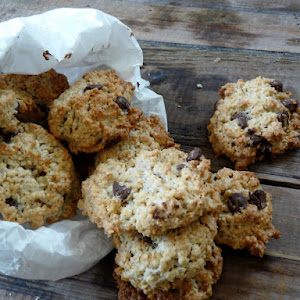 Oatmeal and Chocolate Chip Cookies