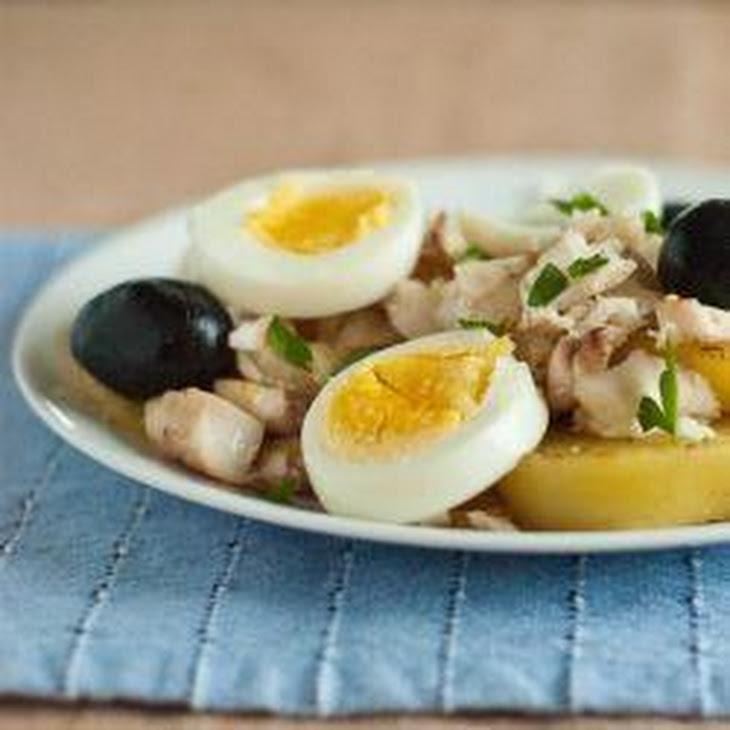 Bacalhau a Gomes De Sá (Brazilian Salt Cod with Onions and Potatoes) Recipe