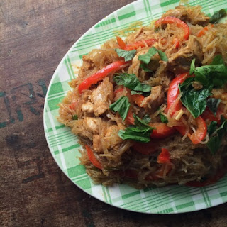 Singapore-style Noodles With Chicken, Peppers & Basil.