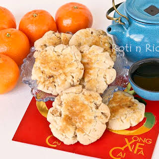 Hup Toh Soh (Chinese Walnut Biscuits).