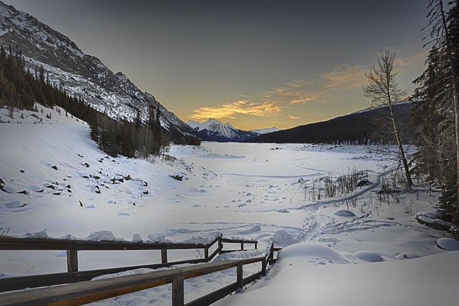 by Jacques-André Dupont - Landscapes Mountains & Hills ( hiver, alberta, sunrise, jasper, lac )