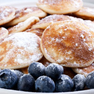 Bite-Size Pancakes with Blueberries