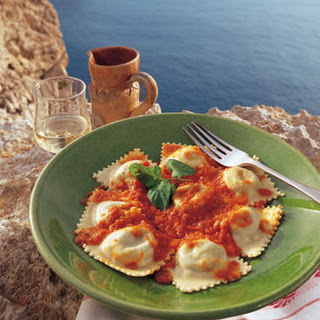 Potato and Cheese Ravioli with Fresh Tomato Sauce