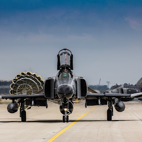 Turkish Phantoms by Joachim Unger - News & Events Technology ( plane, airplane, phantom, berlin, jet, fighterwing, fighter, military, airshow, f4 )