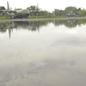reflection by Alvi Eko Pratama - Uncategorized All Uncategorized ( water, orange, reflection, waterscape, reflections )