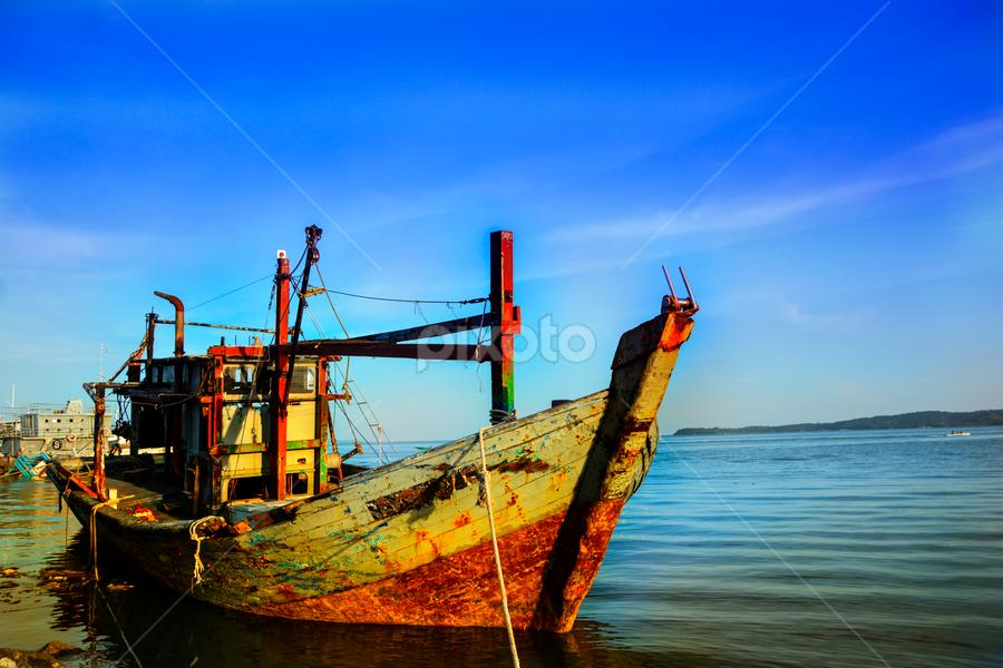 End Of Journey - by Rieyzwan Yusuf - Transportation Boats