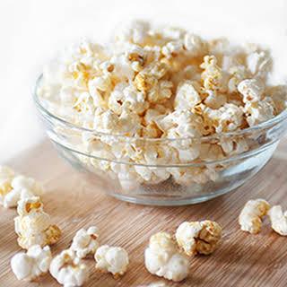 """""""Cheesy"""" Taco Popcorn (Tastes like Doritos!)."""