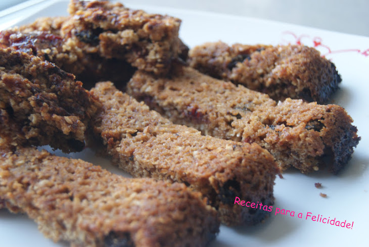Cereal Bars with Raspberry Jam and Raisins Recipe