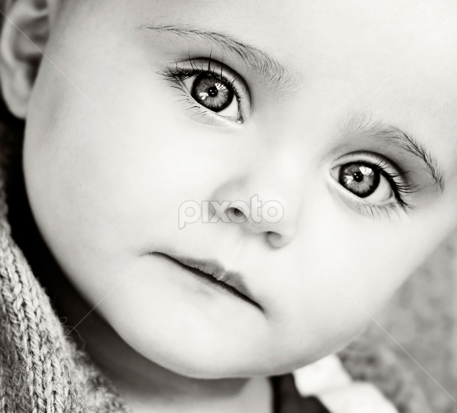 Chloe by Claire Conybeare - Chinchilla Photography - Babies & Children Babies