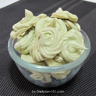 Japanese Green Tea Meringue Cookies
