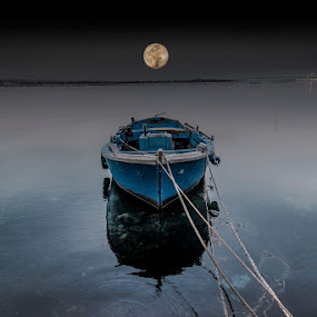 The moon on the boat. by Ciro Santopietro - Digital Art Places ( water, boats. moon, landscape reflections )