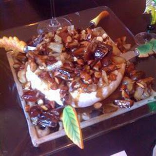 Baked Brie with Caramelised Pears, Shallots and Thyme