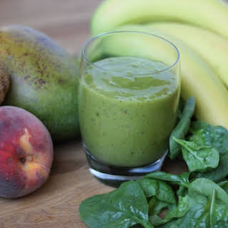 Mango, Kiwi, Peach and Spinach Smoothie.