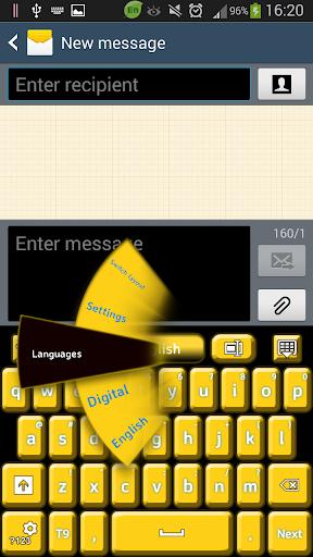 黑色和黄色的键盘