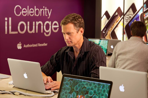 Celebrity_Eclipse_iLounge - Need time to get down to business during your cruise? Head to the iLounge on Celebrity Eclipse for Internet access.