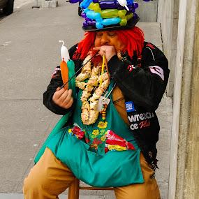 Balloon Man by Loren Masseth - People Street & Candids ( baloon, market, clown, seattle, street, performer )