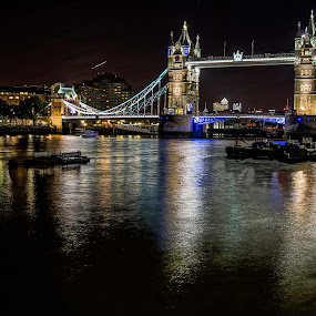 Reflections on Thames by Heichti TMWIW - Uncategorized All Uncategorized ( uk, thames, london, tower bridge, photography,  )