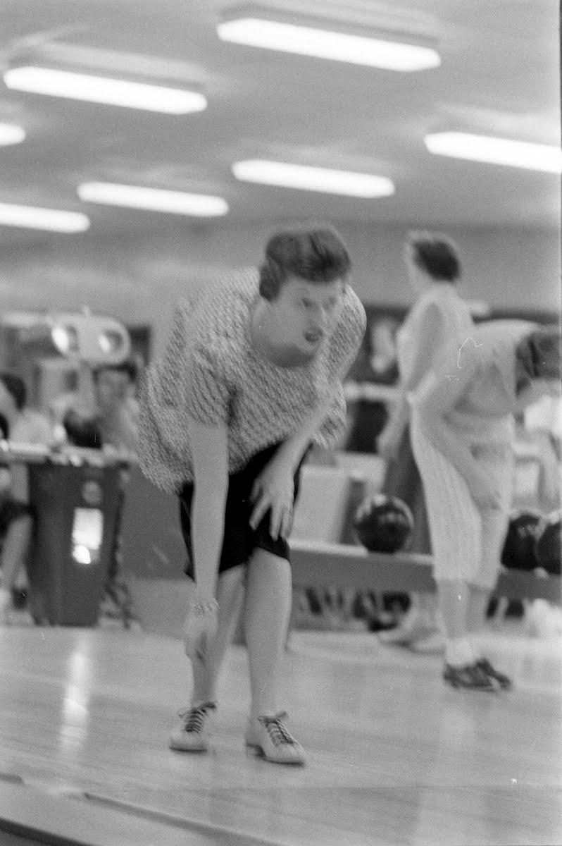 Women Bowlers Essay