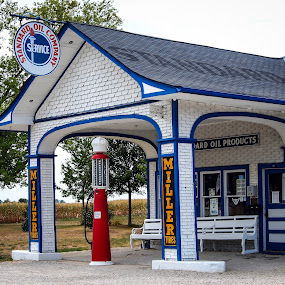Standard Oil on Route 66 by Steve Hall - Buildings & Architecture Public & Historical ( illinois, route 66 )