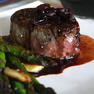 Fillet Steaks with Shallot and Red Wine Sauce Recipe