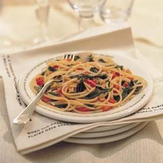 Spaghettini with Tomatoes and Arugula