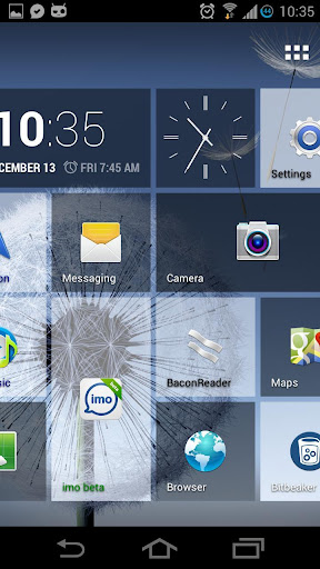 Tile Launcher, una aplicación que permitirá que sus dispositivos Android adopten la interfaz de Windows Phone.         La verdad es que antes ya les hemos hablado sobre algunas otras alternativas en las que pueden lograr el mismo fin, pero algo a destacar de Tile Launcher, es que resulta sumamente similar a lo que Windows Phone es en realidad, por lo menos en cuanto al aspecto que le da vida a dispositivos como los Nokia Lumia. Lo que si es un hecho es que no es una copia fiel ni exacta de Windows Phone,