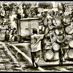 tungku by Hasan As'ari - People Street & Candids