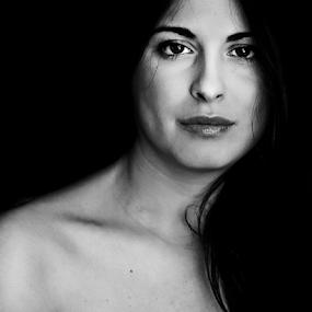 Noir deep by Zoe Photography - Black & White Portraits & People