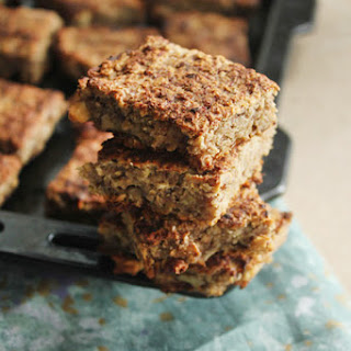 Banana Walnut Oat Bars (Vegan, Sugar-free & Oil-free)
