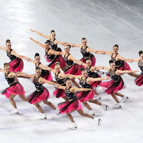 Dance step by Alexis Courthoud - Sports & Fitness Other Sports ( mondiali, courmayeur, vda, sport, skating, synchro )