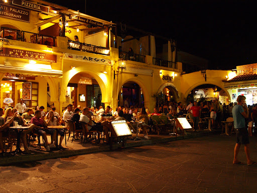 dining-Rhodes-Greece - Nighttime dining in Rhodes, Greece.