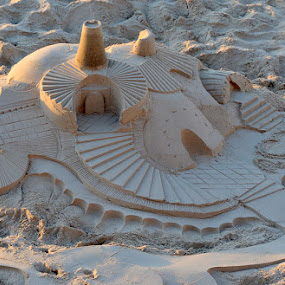 The sand castle by Natalie Ax - News & Events Entertainment ( art, modeling, castle, sandcastle, artistic, sculpture, sand art, sand, sunlight, form, outdoors, daylight, shapes, sand sculpture, beach, tower )