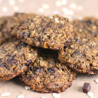 Healthy Nutella Chip Oatmeal Cookies (no sugar added, gluten free, vegan).
