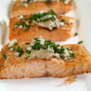 Salmon with Blue Cheese.