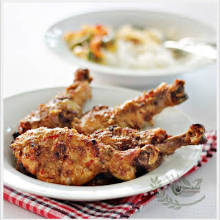 Ayam Percik (Baked Chicken in Coconut Sauce).