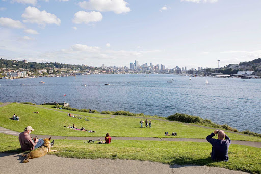 gasworks-park-Seattle - Gasworks Park is the perfect location for a picnic, boat watching and a relaxing afternoon by the water.