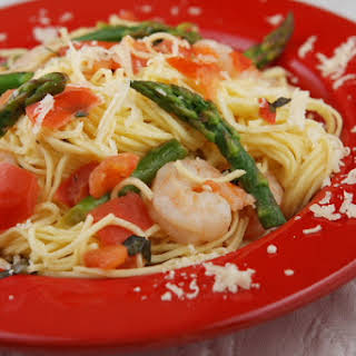 Angel Hair Pasta w/ Shrimp, Asparagus and Basil.