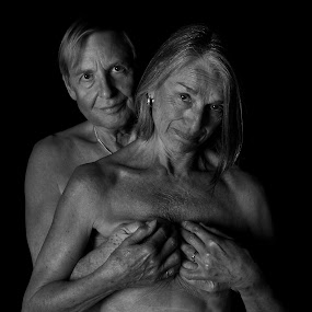 Passion by Nick Moore - Black & White Portraits & People ( bn, love, old, bw, couple, passion )
