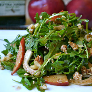 Gorgonzola Arugula Salad with Cinnamon Apples and Balsamic Vinaigrette