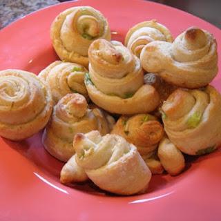Garlic and Chive Knots