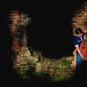 Sunshine by Jorge Asad - Wedding Bride & Groom ( wedding, shine, couple, bride, sunlight, people )