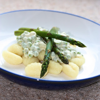 Gnocchi with pea and asparagus Sauce.