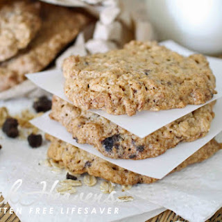 """Crunchy, Chewy Oat Cookies with Homemade Carob Chips (& We'Re Clearing Up the """"Gluten in Oats"""" Dilemma) Recipe"""