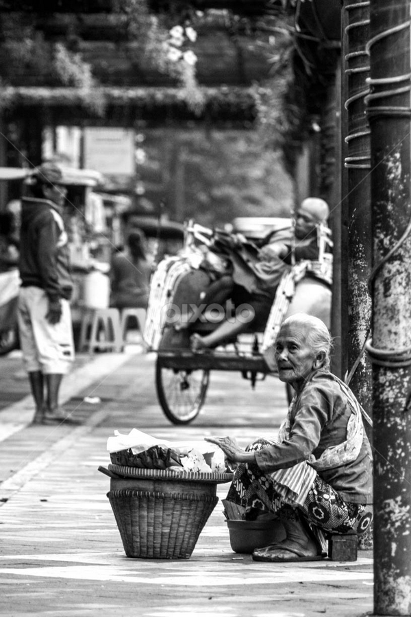 by Must Yudhi - People Street & Candids