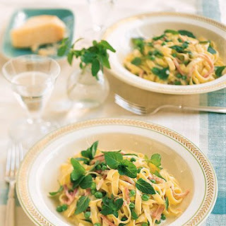 Fettuccine with Mint, Peas, Ham, and Cream