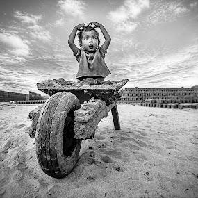 || Amidst the Brick World || by Sankalan Banik - Black & White Street & Candid